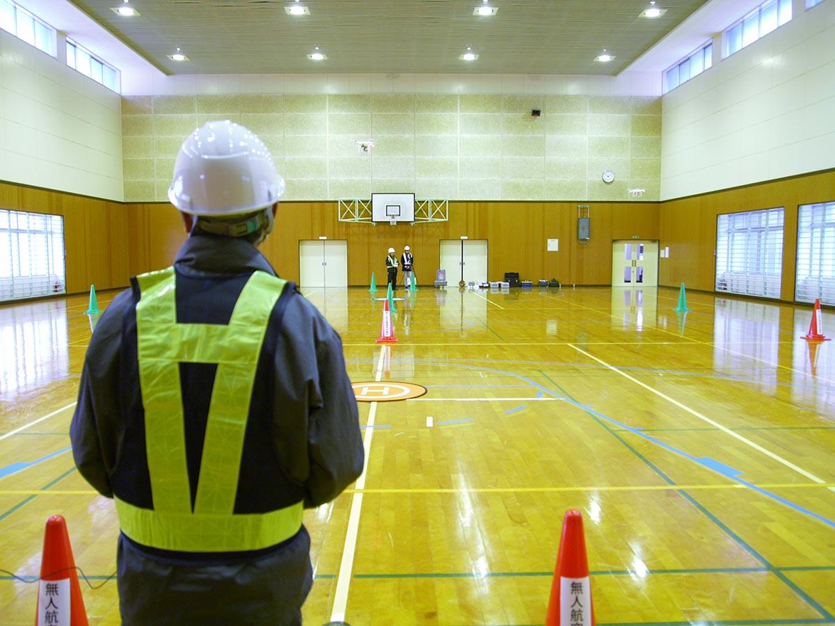 ドローンスクールNDMC大分日田校操縦技能講座実技9_体育館