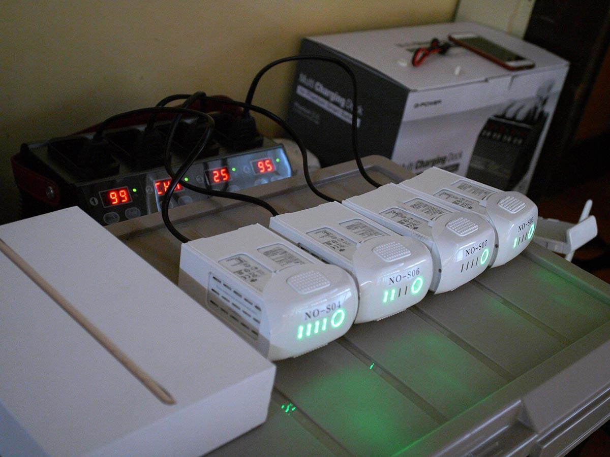 ドローンスクールNDMC大分日田校操縦技能講座実技5_Phantom4,急速充電器使用
