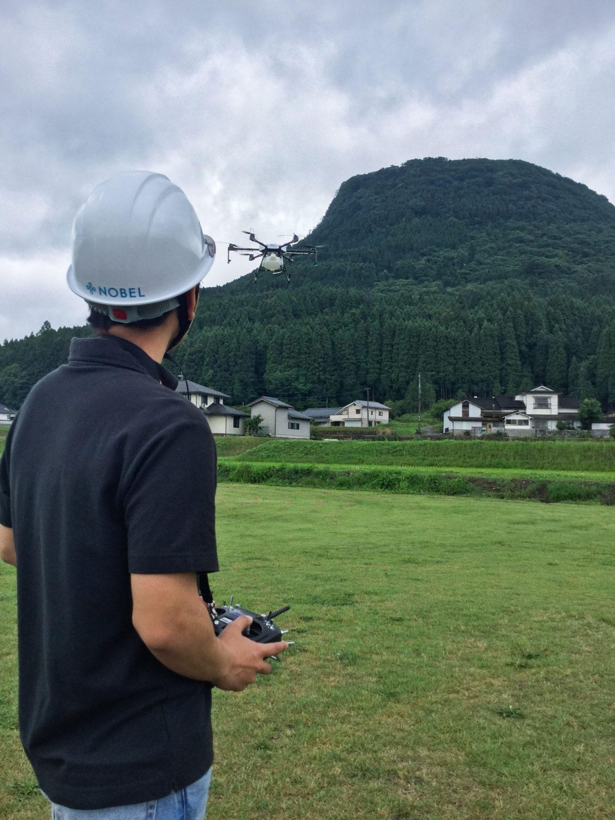 大分県玖珠郡玖珠町・切株山の麓にて農薬散布用ドローンのテストフライト