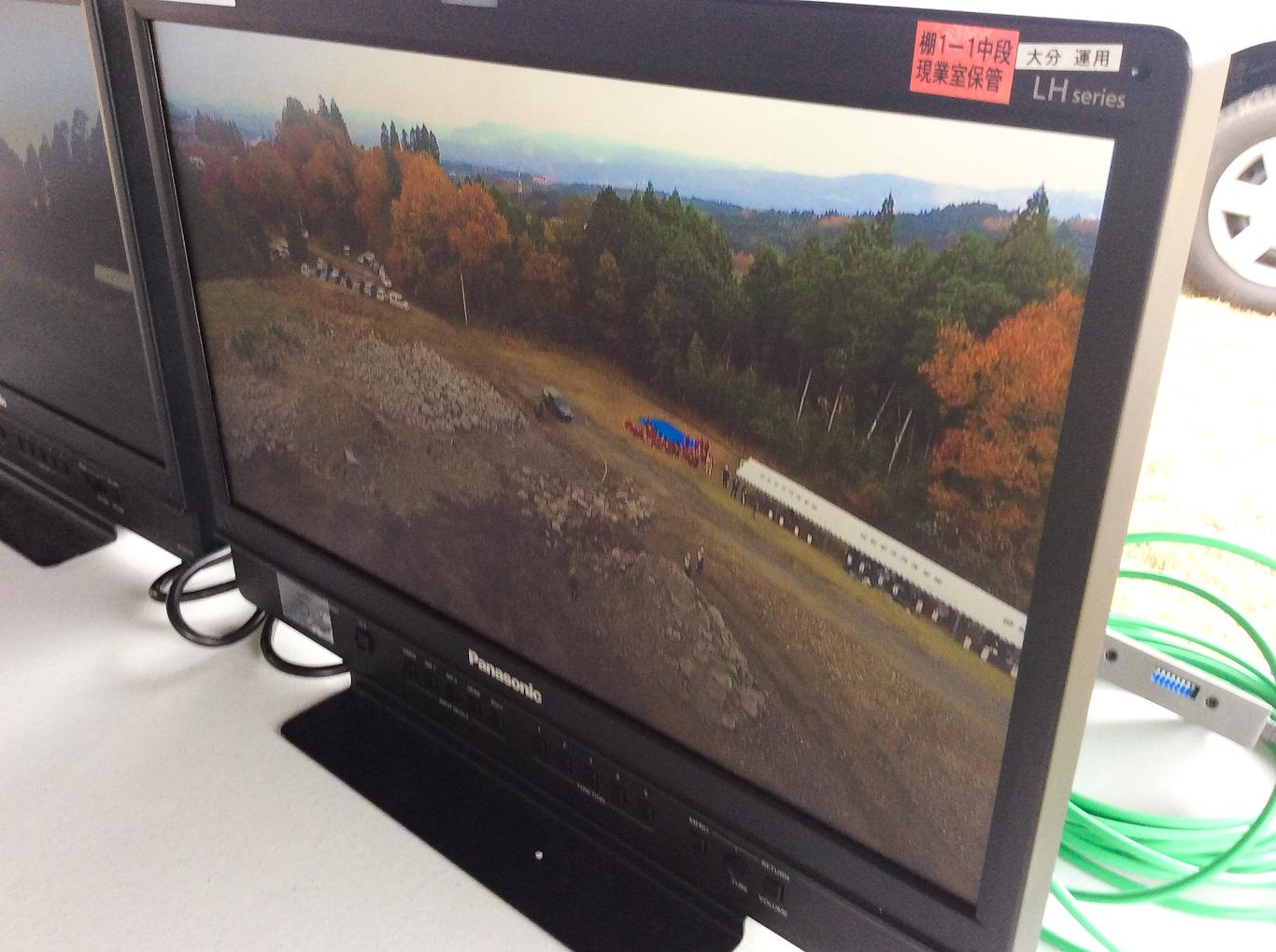 モニターに映し出されたドローンに拠る空撮映像_防災訓練2019